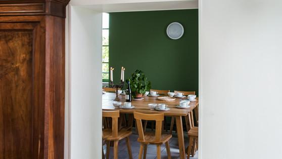 La salle à manger du gîte Pont Canal de Briare qui accueil jusqu'à 15 personnes, entre amis, en famille ou en groupes