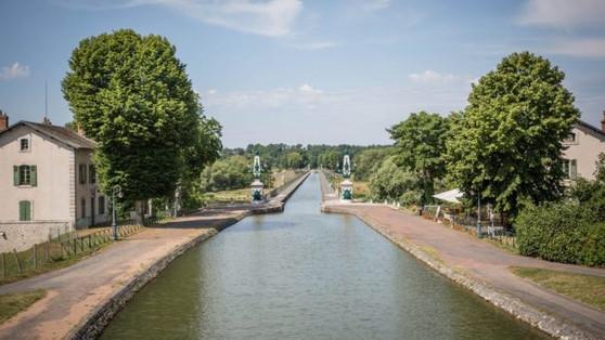 Séjour authentique et chaleureux au bord du Pont Canal de Briare