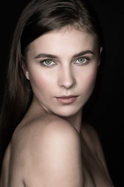portrait makeup artist