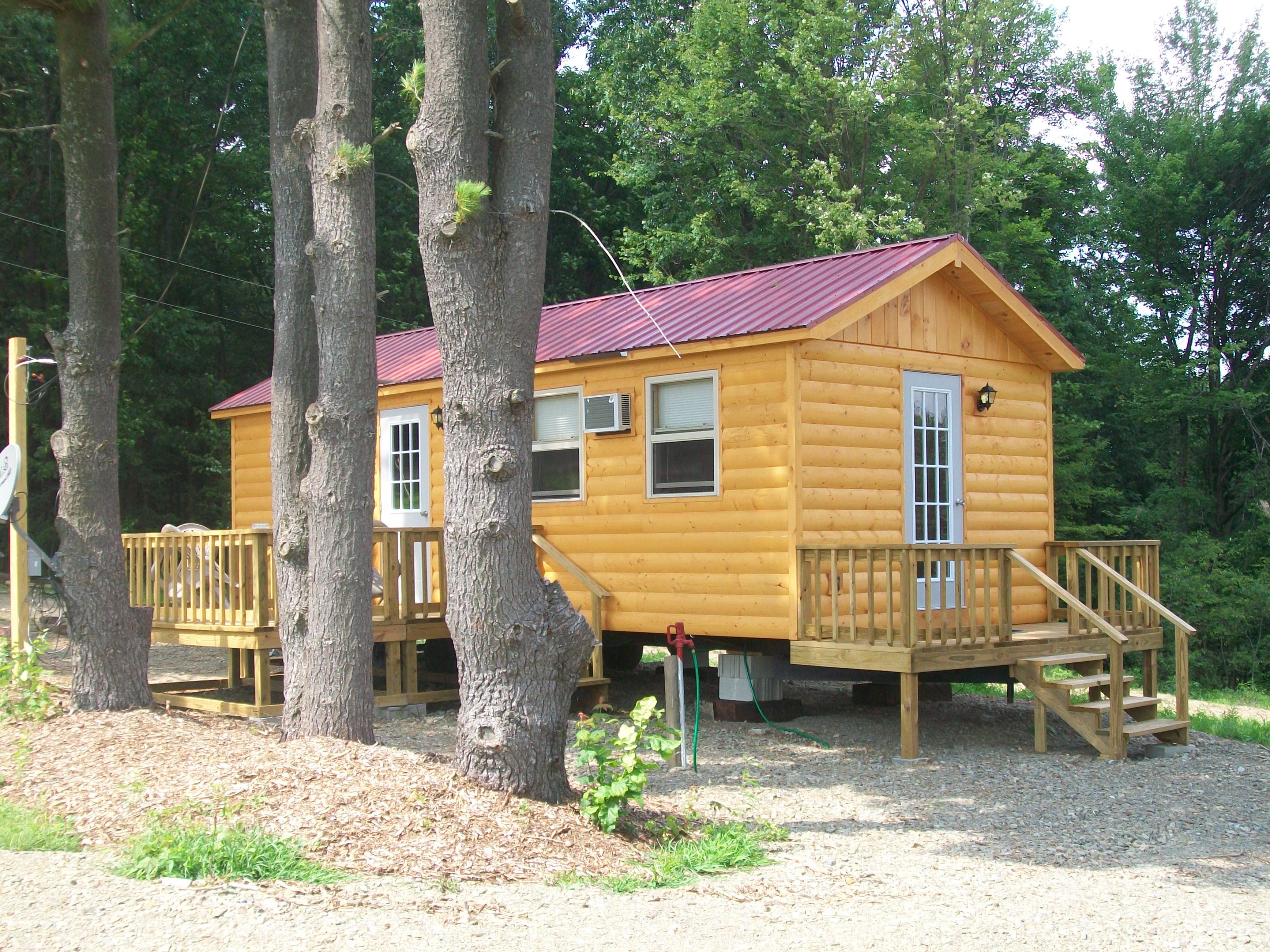 Log Cabin driveway side