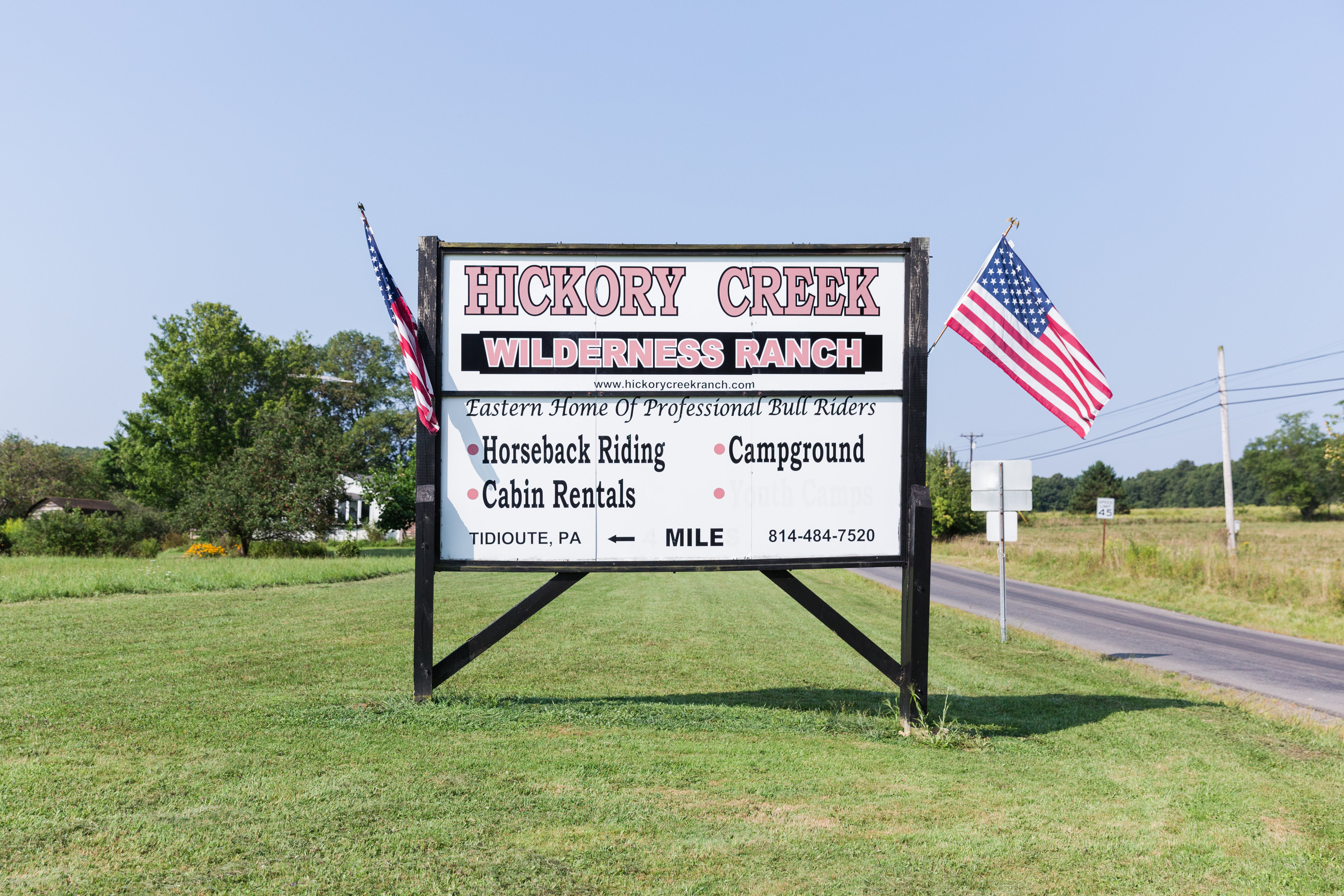 Sign at 337 & Economite Rd