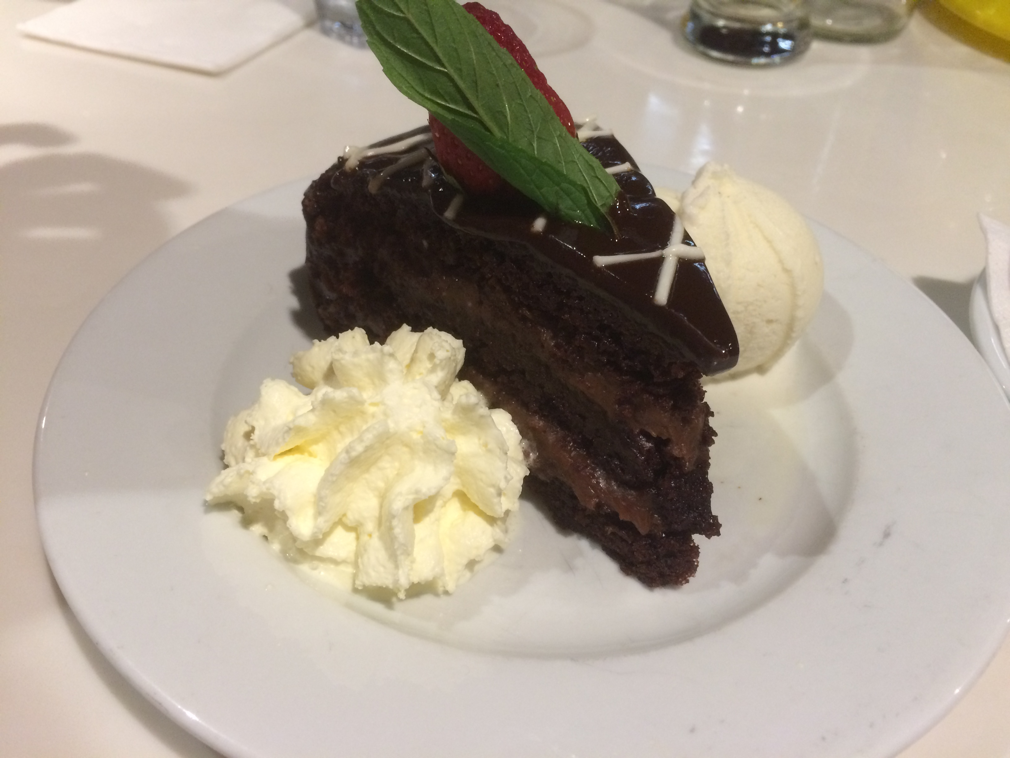 Rossini chocolate cake