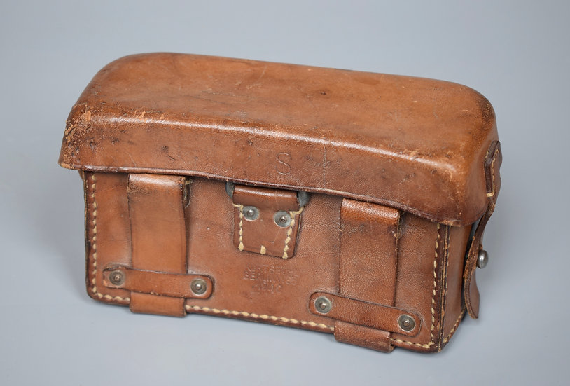 Medical pouch 'Kurt Seidel, Berlin 1940'