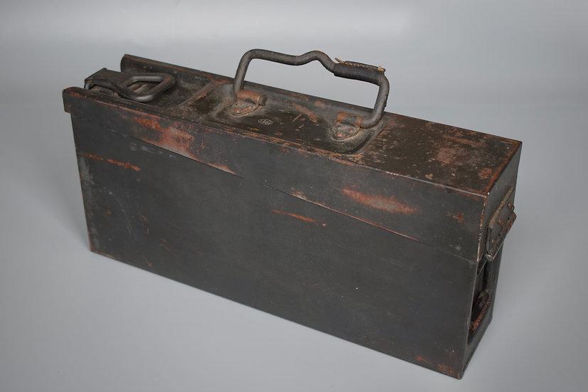 MG34/42 steel ammo box '1941 WaA'