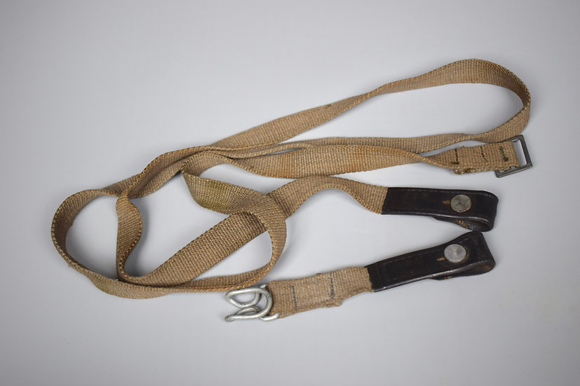 Late-war gas mask canister strap set 'ebd 44'