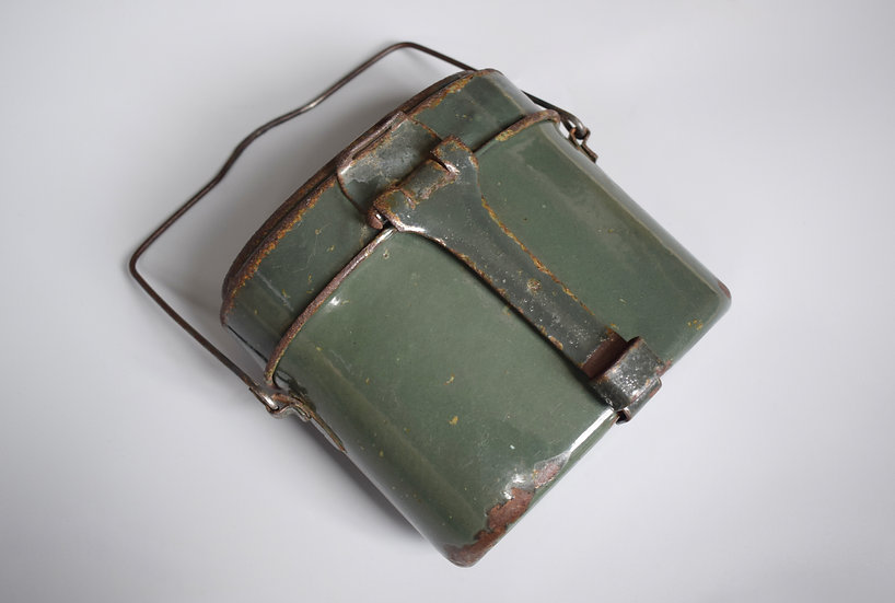 DEF M42 enamelled mess kit