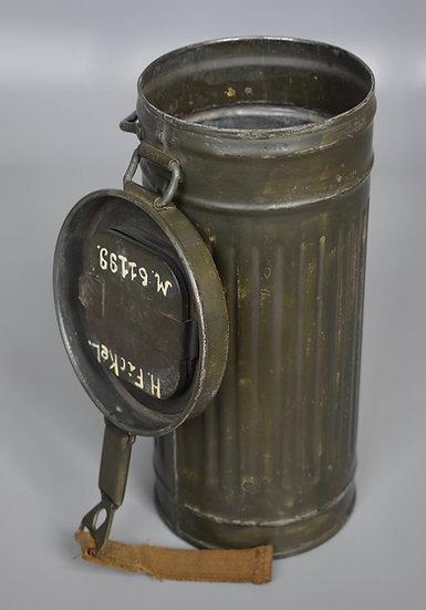 Named Kriegsmarine gas mask canister '17. U-Bootsjagdflottille'