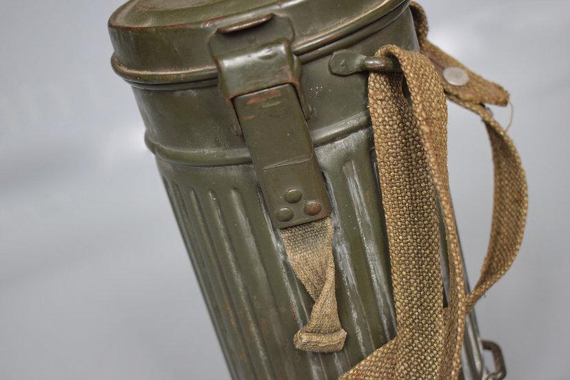 Pre-war gas mask set 'EFG 1936' ex-winter camouflage