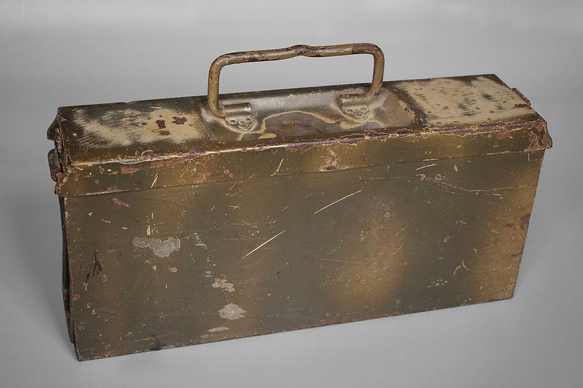 Two-tone camouflage MG34/42 ammo box 'ada'