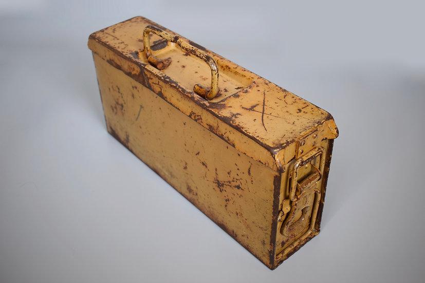 Late-war MG34/42 ammo box 'brc'
