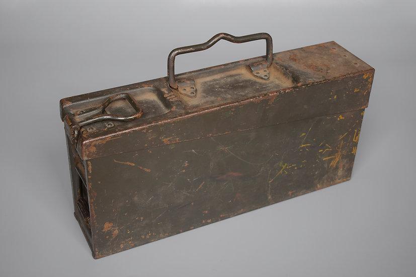 Ex-Reichswehr camouflaged MG34 Werkzeug tool box 'bsw 1938'