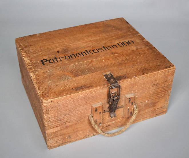 Wooden Patronenkasten 900 ammo box