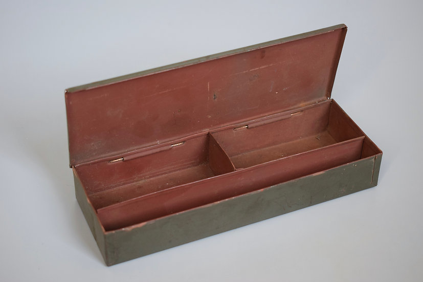 Waffenmeister MG34/42 small spares tin