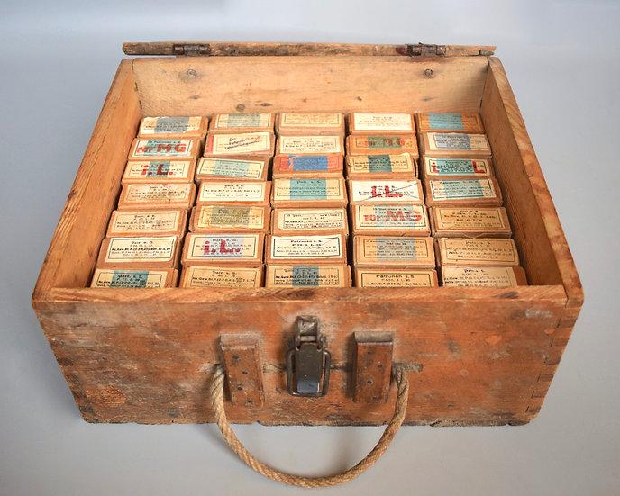Patronenkasten 900 + 40x 7.92x57mm ammo boxes