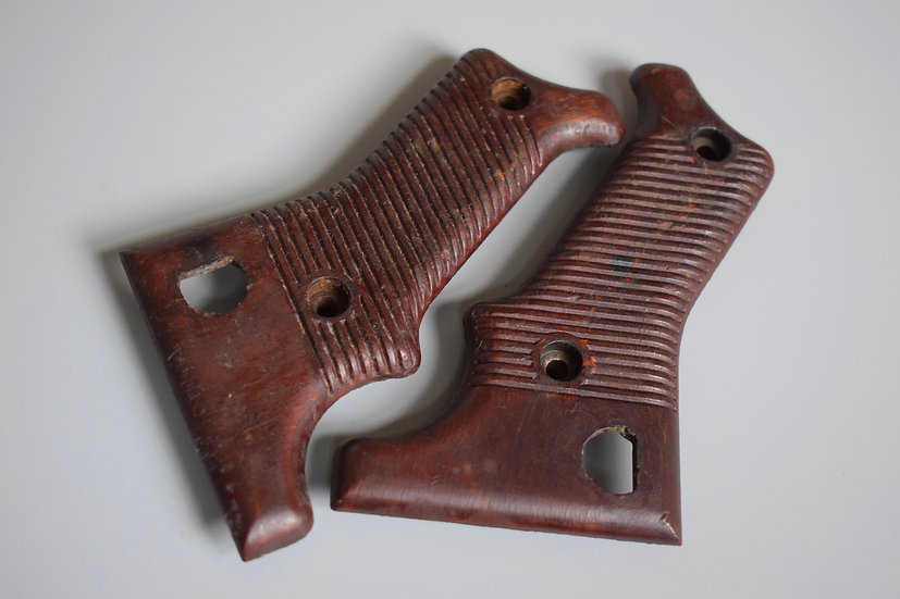 Matching MG42 red Bakelite grips set