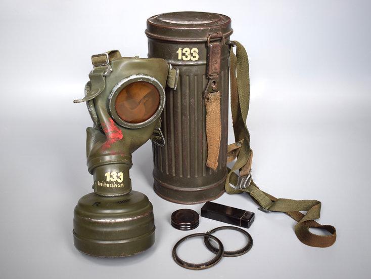 Named & matching Luftwaffe M38 gas mask set