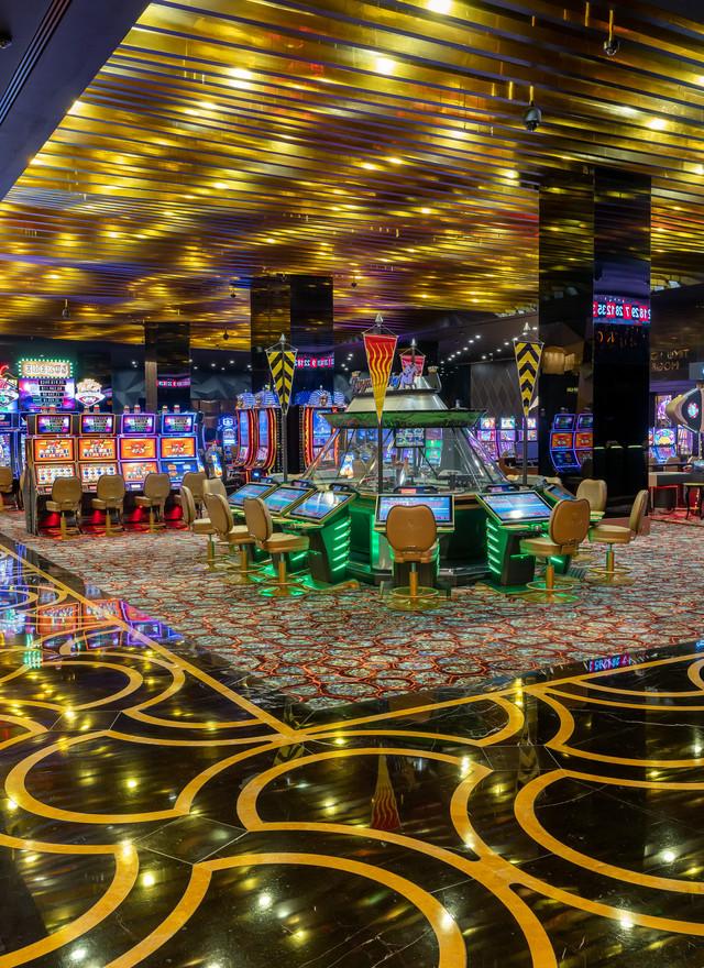 Elexus casino maloof casino resort