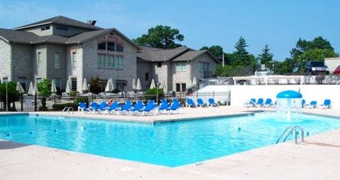 outdoor pool, resort water park, branson condo rentals