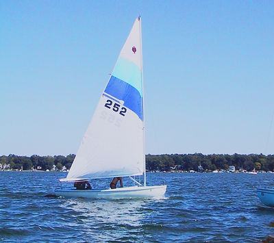 activities in branson, sailboat, relaxing on the water sailing