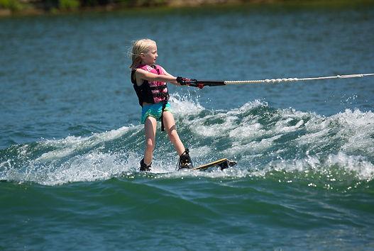 missouri lake activities, lake taneycomo boat rental, watersports
