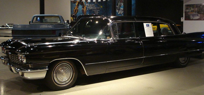 auto showcase room, classic automobile vehicle