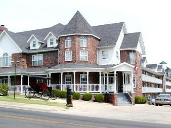 victorian hotel, romantic vacation accommodations,  castle hotel, hotels in branson mo