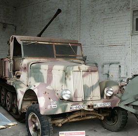 missouri museum, WWII truck display, WWI artifacts showcase