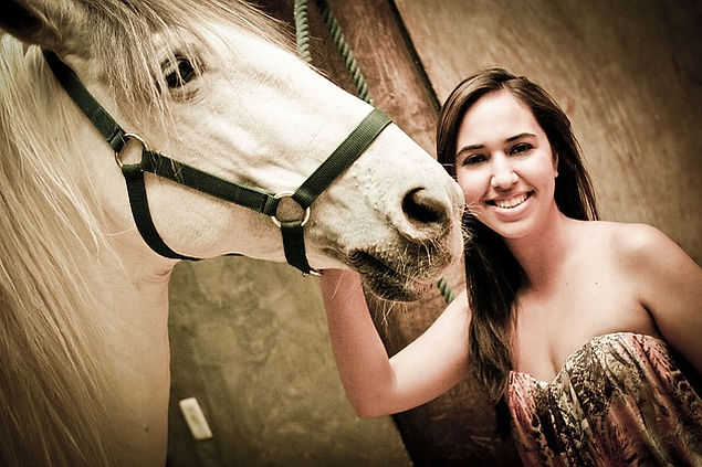 missouri vacation, branson vacations, girl posing with a horse
