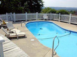 gazebo inn, outdoor pool
