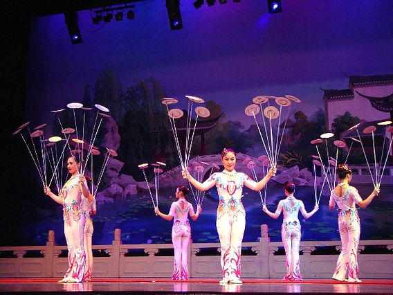 new shanghai circus branson, acrobatics show, spinning plates, traditional chinese show