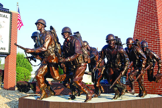 bronze sculpture, bronze monument, WWII statue, branson veterans week