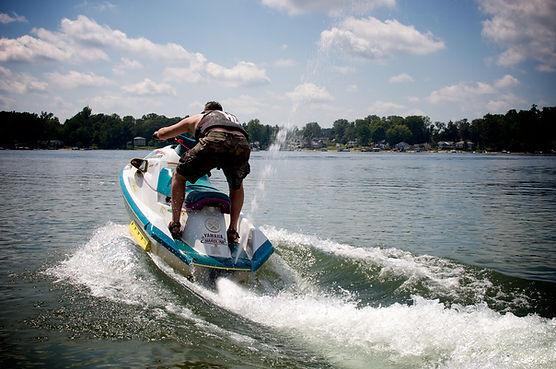 fast water sports, wave runner racing, missouri lakes, lake taneycomo
