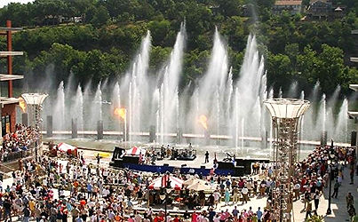 outdoor events, fire and water show, branson landing hours, branson mo shopping