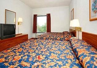 deluxe bedroom, 76 strip hotel room