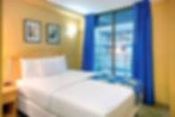 queen bedroom, family hotel