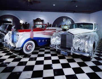 replica cars, display cars, american vehicles, shiny and sparkly automobiles