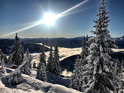 Skiing on the Schmittenhöhe in Zell am See Kaprun with views of the Hohe Tauern National Park