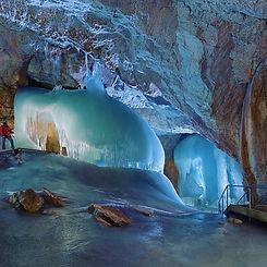 Daytrip to the Eisreisenwelt ice caves in Werfen