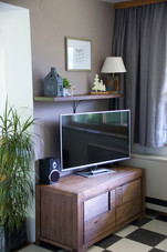 Large flat screen TV in the Kandl Spitze apartment