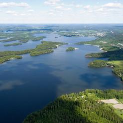 Upea järvikaupunki