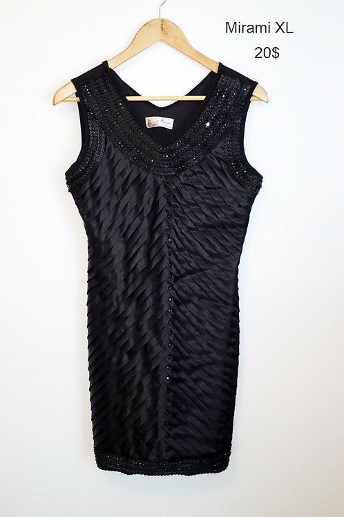 robe noire MIrami xlarge