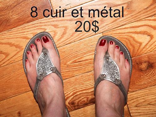 sandales thong cuir gris et métal