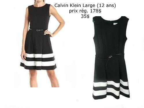 robe noire et blanche Calvin Klein 12 ans large