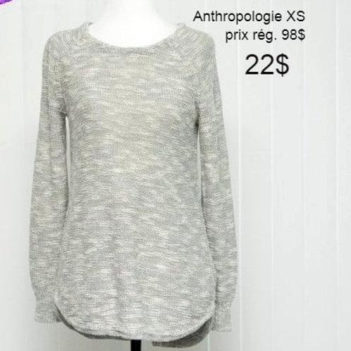 chandail gris et blanc xs Anthropologie