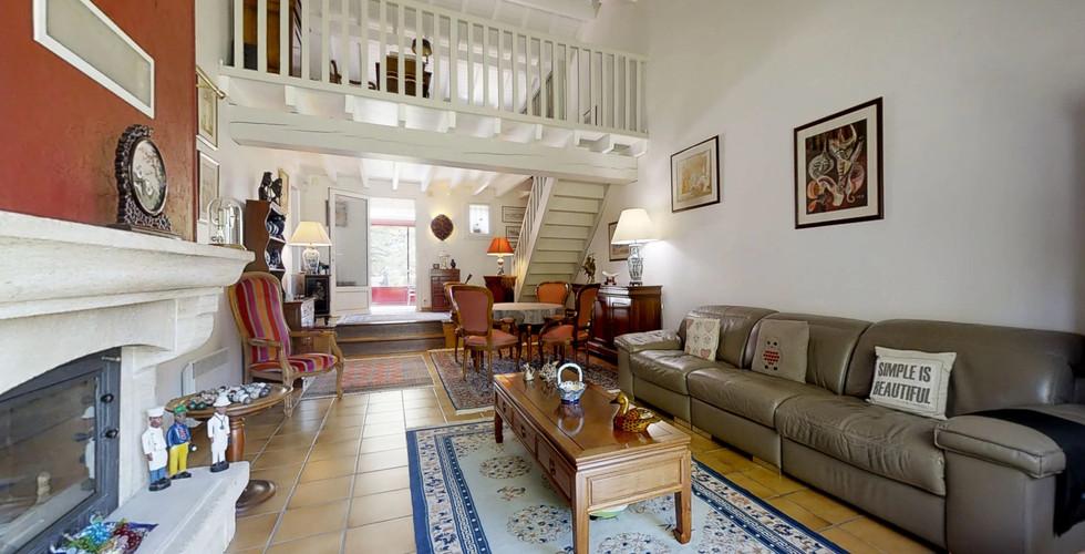Pièce de vie dans villa sur Villeneuve sur Lot