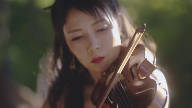 Eiko Kano plays Bach Chaconne in Kyoto Buddhism Eikando temple
