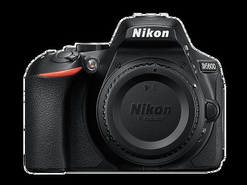 Nikon D5600 + 18-140 ED VR