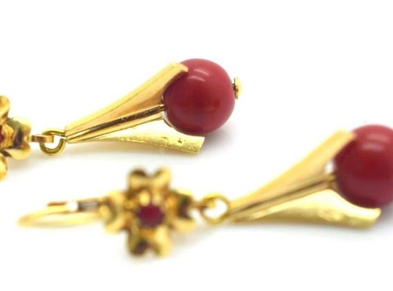 Vintage Red Gemstone Leverback Earrings 18k Yellow Gold 5.7 Grams