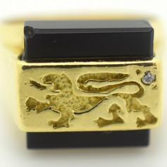 Vintage Griffin Signet Ring 18k Yellow Gold Onyx Diamond 8.48 Gram Size 6