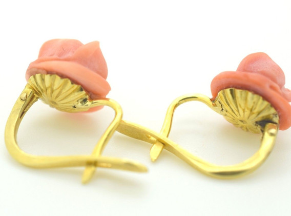 Vintage Coral Earrings Rose Flower 18k Yellow Gold Omega Back 3.17 Grams